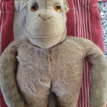 I have this monkey as shown..steiff.... Vintage collection  - Animals