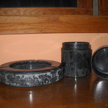 Black marble or granite ash tray and cigarette holder - Tobacciana
