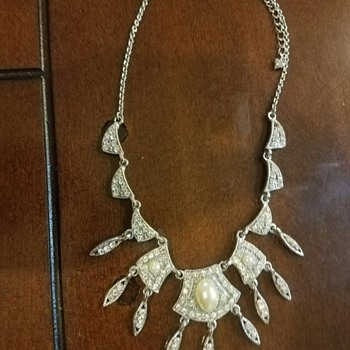 Stunning Faux Pearl and Faux Diamond Necklace - Costume Jewelry