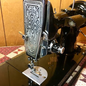 "Scottish Singer 221K - 1st Production run - ""Rare! - Sewing"