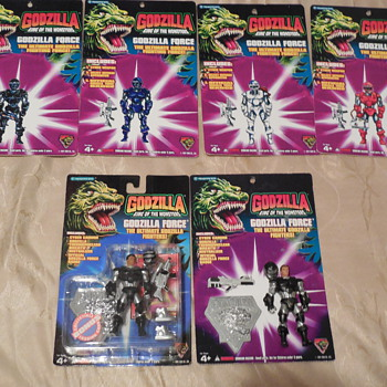 Godzilla Force Pete Richards cards and RESIN figure