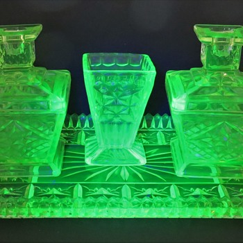 Vaseline Glass Dressing Table Set Rg No 807930 - 1935 - Art Deco