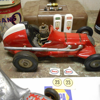 lastest finds....tether cars and old race car! - Model Cars