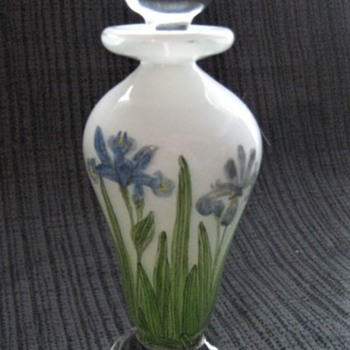 Beautiful Perfume Bottle by Canadian Glass Artist - signed  R. Lukian & G. Hall 1990 - Art Glass