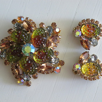 Juliana Delizza & Elster Demi Parure Pin & Earrings - Costume Jewelry