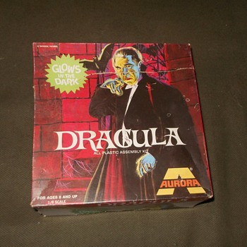 Aurora Dracula Glow Kit In Box 1969-1975 - Toys