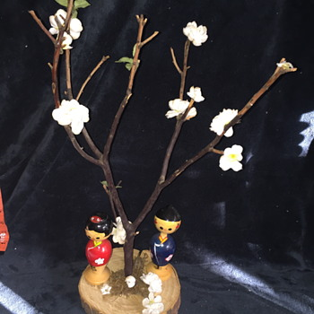 2 kokeshi dolls on WOOD BASE and REAL TREE branch paper leaves