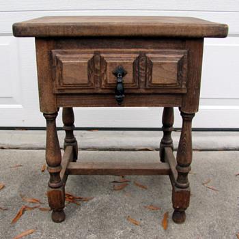 Navarro Argudo Spanish Table/Stand - Furniture