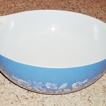 Vintage Colonial Mist Pyrex Bowl - Kitchen
