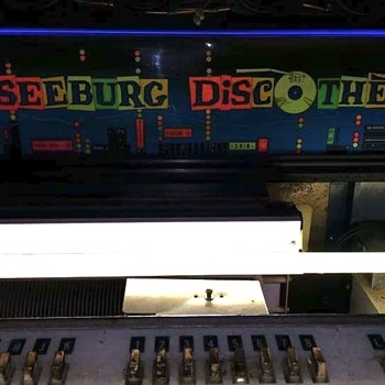 My Seeburg PFEAU Discotheque and a few wall boxes - Coin Operated