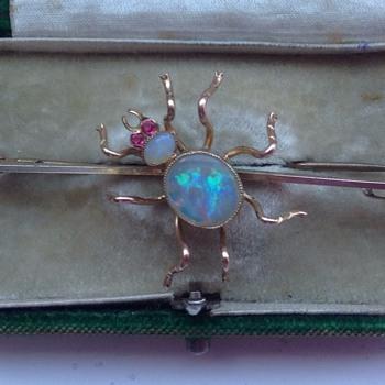 Gold Spider Brooch - Art Nouveau