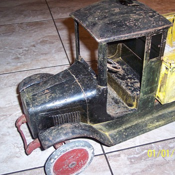 Buddy L Ice truck 1920's  BEFORE an AFTER restoration - Model Cars