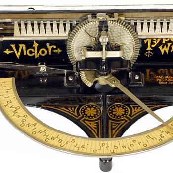 Victor typewriter - 1889 - Office