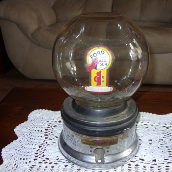 ford 1 cent bubble gum machine - Coin Operated