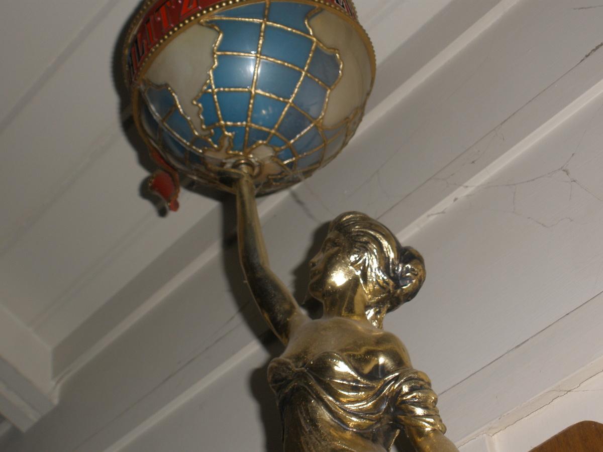 Vintage Schlitz Lady Glode Statue. | Collectors Weekly