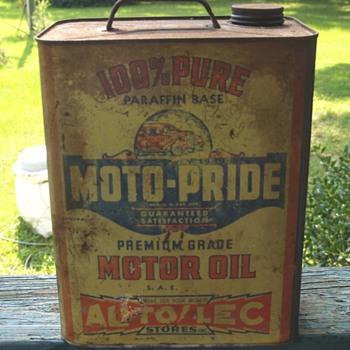 Moto-Pride 2 Gal. Oil Can - Petroliana