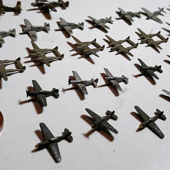 Many Mini-Models Tamiya Waterline Series World War II Airplanes 1/700 Scale - Toys