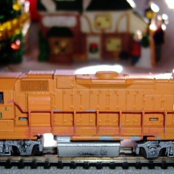EJ&E SD38-2 #663 N scale - Model Trains