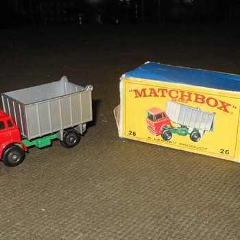 Monitering Moveable Mountain Matchbox Monday MB-26 GMC Tipper Truck 1968 - Model Cars