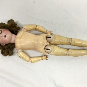 Another mystery doll. Trying to identify. - Dolls