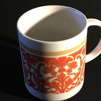 Royal doulton mug  - China and Dinnerware
