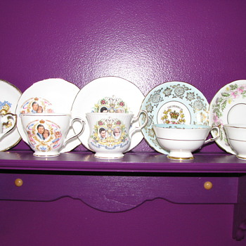 Cups and saucers - China and Dinnerware