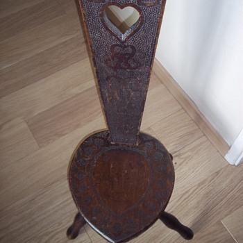 old love stool ? - Furniture