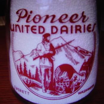 PIONEER UNITED DAIRIES EVERETT WASHINGTON QUART MILK BOTTLE......... - Bottles