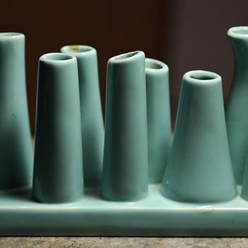 Memphis Pottery? Bizarre piece!! - Set of Vases? - Pottery