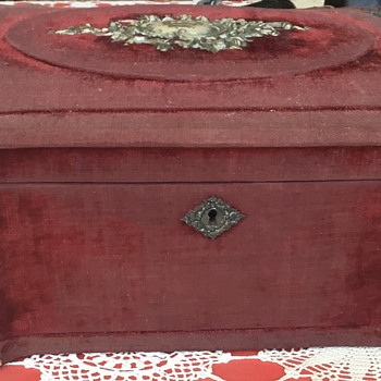 Decorative box, worn outside but delicately pleated inside. Just wondering Re history or origin please. - Furniture
