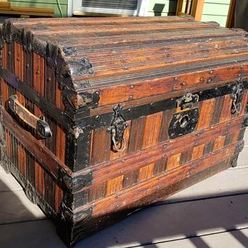 Oak Slat Trunk - Furniture