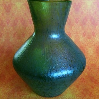Pair of Different Loetz Vases (Part 1) - Art Glass
