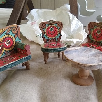 Vintage Dollhouse Furniture  - Dolls