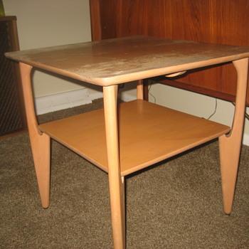 heywood wakefield end table? - Furniture