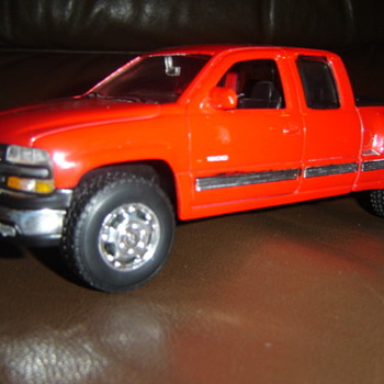 2000 Chevrolet Silverado 1500 toy truck/real toy truck - Classic Cars