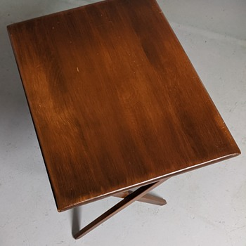 Mid Century Modern fold up tables. - Mid-Century Modern