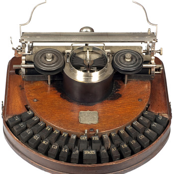 Hammond 1 typewriter - 1881 - Office