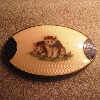 Kitten Pin - Costume Jewelry