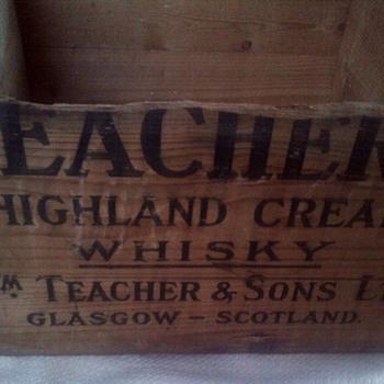 Teachers Highland Cream Whisky wooden crate  - Advertising