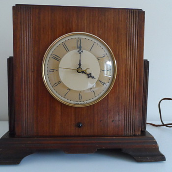 An Electric Mantel Clock - or is it a Radio?