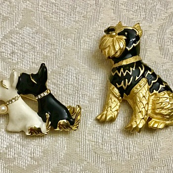 Cute Dog brooches - Costume Jewelry