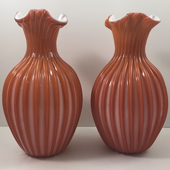 Victorian Era Loetz (attrib) ribbed vases, ca 1890 - Art Glass