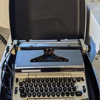 Eaton Viking typewriter. - Office