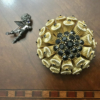 Tortoloni Cupid and other weird brooch - Costume Jewelry