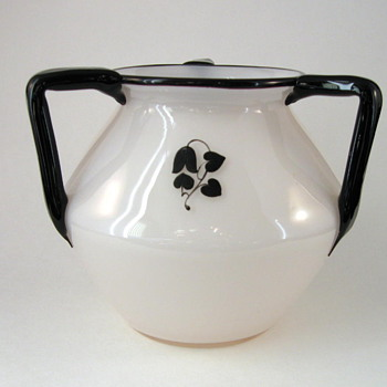 Loetz 3-handled Tango vase with design by Dagobert Peche - Art Glass