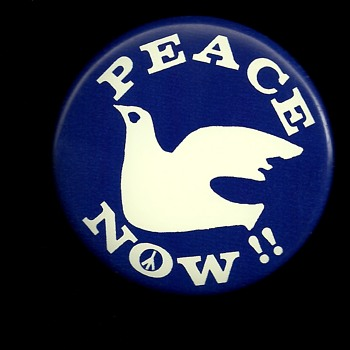 5 Peace Now and Out Now Vietnam protest button's - Medals Pins and Badges