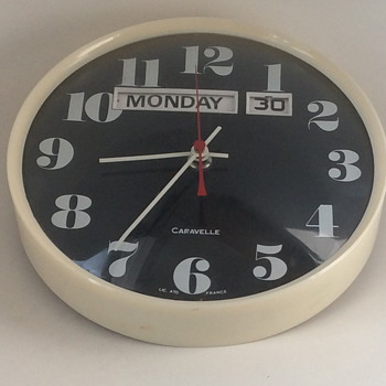 Late 1960 or early 1970 wall clock. - Clocks