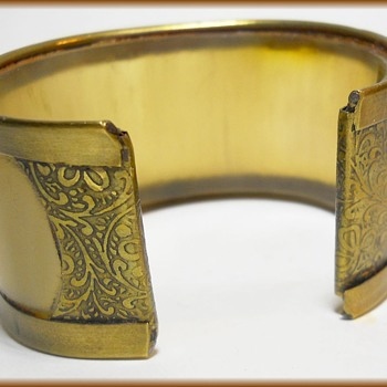 Vintage Bracelet - Cow Horn - Made in INDIA - Costume Jewelry