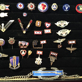 Home Front Pins Plus - Military and Wartime
