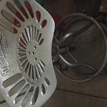 My latest find Cast iron Tractor Supply shop stool - Tools and Hardware
